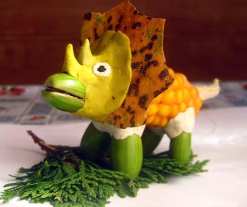 Динозавры из природного материала