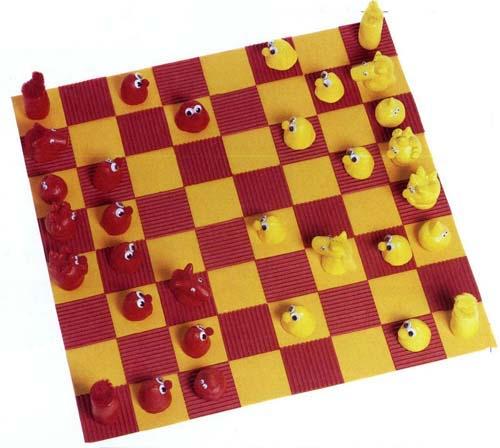 Поделка-игрушка шахматы